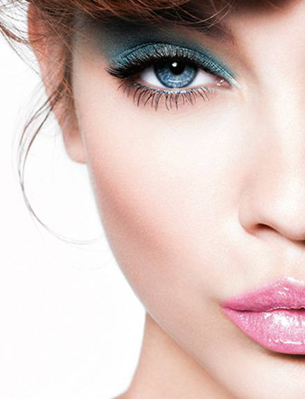 blue-eyes-makeup-440x575