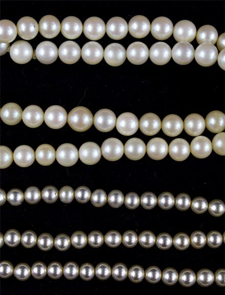 Cómo llevar un collar de perlas en 2018